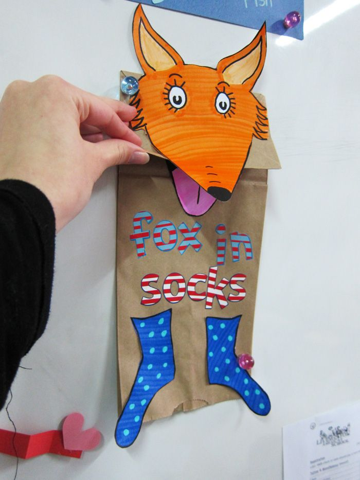 Dr. Seuss Crafts - Fox in the Socks puppets