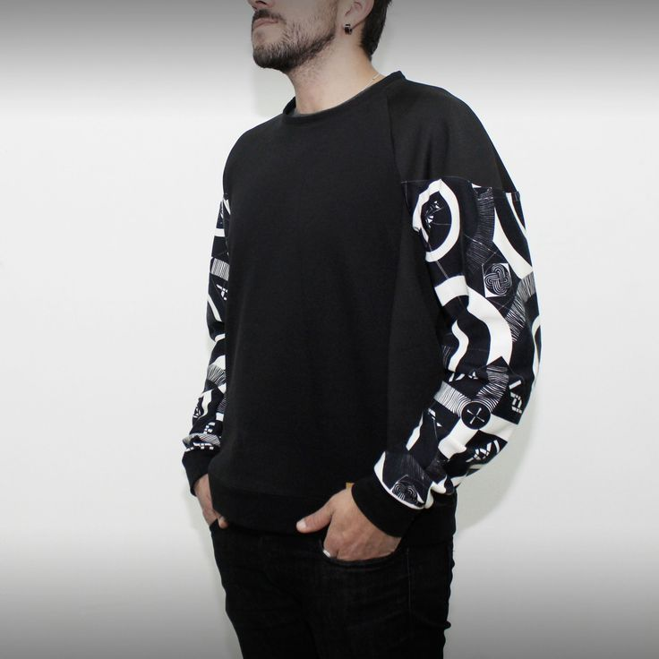 Black and white cotton sweatshirt on www.green-fits.com!