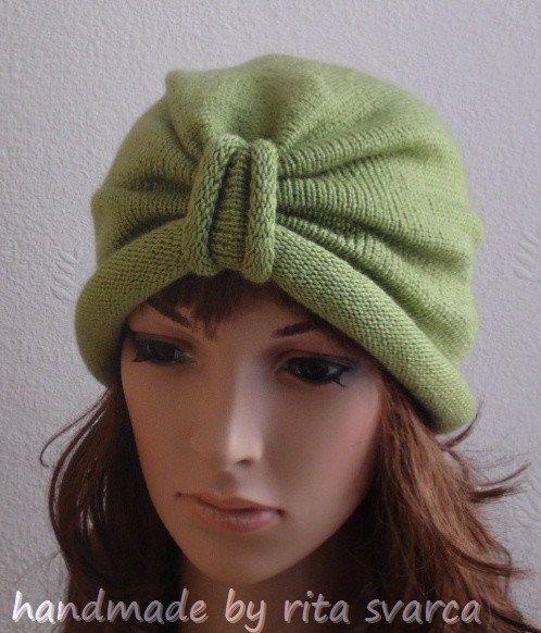 Gestrickte handgemachte Turban Hut für Frauen. Der Turban Hut ist sehr modern, schön und komfortabel Kopf Zubehör.  Der Hut ist in drei verschiedenen Größen erhältlich:  S - 51-54 cm (20-21 Zoll) im Umfang M - 54-57 cm (21-22.5 Zoll) im Umfang L - 57-60 cm (22,5-23,5 Zoll) im Umfang  Wenn Sie, dass den Hut in Sondergröße möchten, kontaktieren Sie mich, was ich für dich machen wird. Bestellen Sie die passenden fingerlosen Handschuhe auch zur Verfügung. Kontaktieren Sie mich bitte.  Dieser…