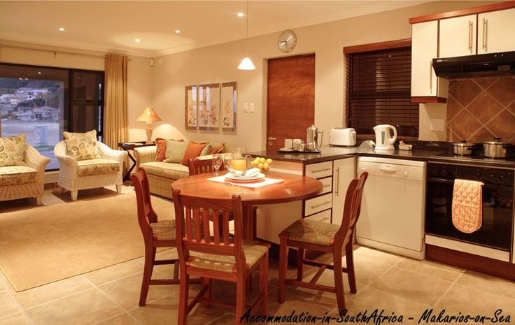 Spacious accommodation at Makarios on Sea.Self catering accommodation in Herold's Bay. Accommodation in Herold's Bay. Herold's Bay accommodation.