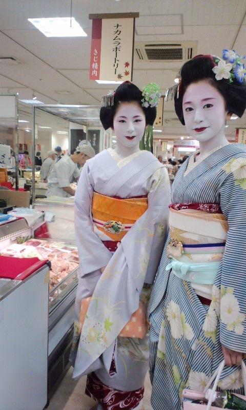 Tomoyuki and Ichifuku go shopping