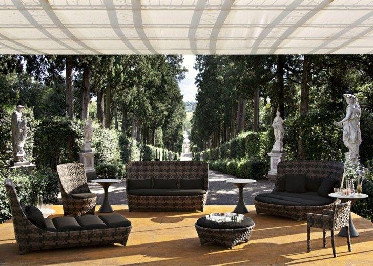 Se cerchi un aiuto per rendere un giardino uno spazio armonioso e piacevole, per decidere quali piante o fiori siano giusti, per trovare il giusto equilibrio tra prato e pavimentazione e per scegliere l'arredo giusto per le tue esigenze vai su http://www.crealacasa.it/gli-arredi-per-esterni-giardini-come-orientarsi/ troverai link utili come @luxurygarden @Leroy Merlin Italia @Maisons du Monde #giardino #arredo #piante