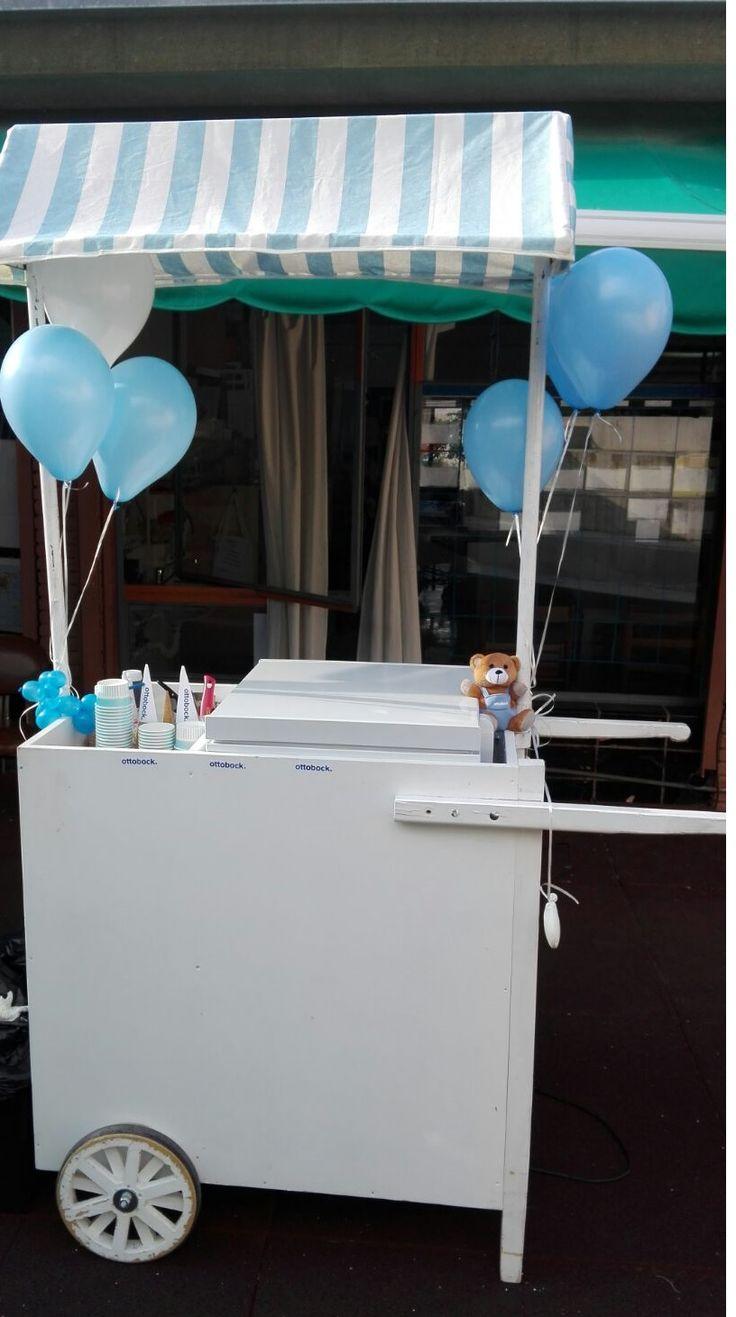 Carrito de helados con globos  #carrito #helados #pecae #eventos #fiestas #bodas #recena #weddings