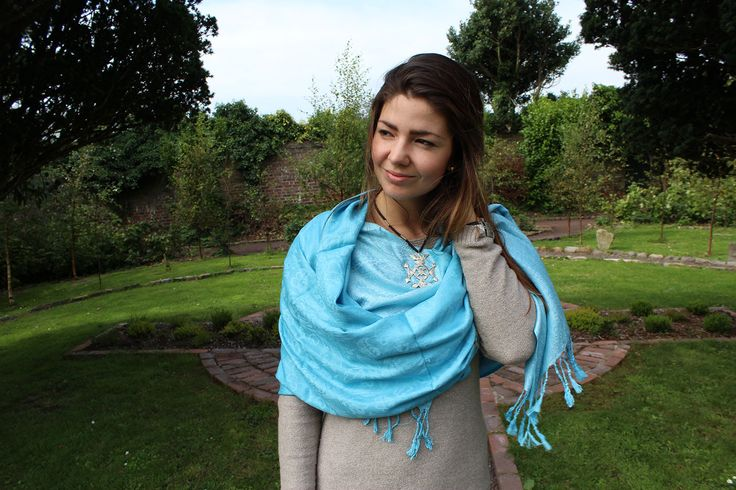 100% Cashmere handwoven and made in India