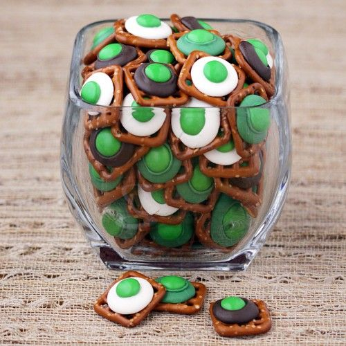 green eggs and ham - Pretzles, chocolate kisses and mms; #Seuss #Party Food