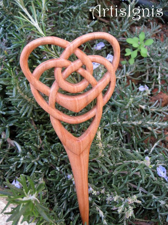 Motherhood Celtic Knot Hair Pin  Alder Tree Wood by ArtisIgnis, €19.00
