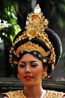 213 best Indonesian Headdress images on Pinterest  Cowls, Hair style and Headdress