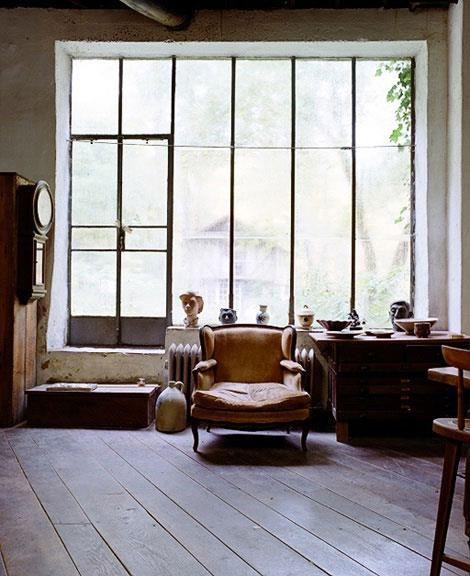 Campbells Loft  loft interior sans design. vintage, factory,brick,leather,wood (APT)