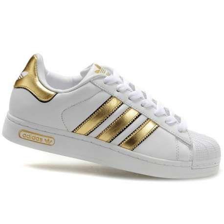 Resultado de imagen para zapatillas superstar doradas