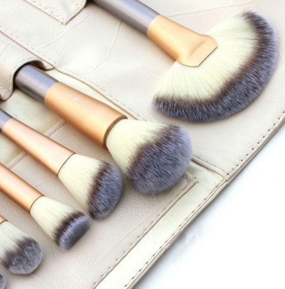 18 Pcs. Professional Cosmetics Foundation Makeup Brush Powder Eye Liner Brush