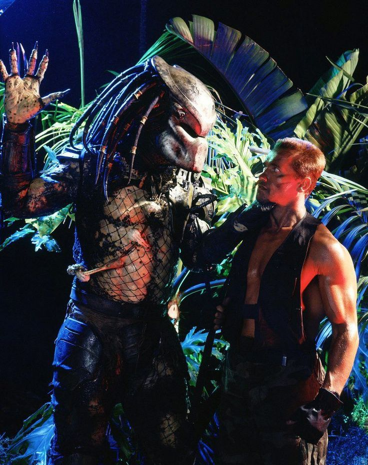 Rare promotional Shot of Kevin Peter Hall with Arnold Schwartzenegger from the first Predator film.