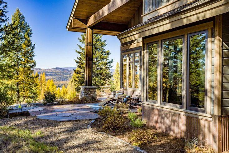 Montana mountain house, log cabin house, view mountain