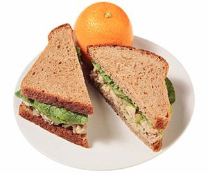 20 lunches under 400 calories!: Food Lunches, 20 Lunches, Lunches Idea, Tuna Salad Sandwiches, Sandwiches Recipe, Fast Food, Healthy Lunches, Includ Fast, 400 Calories