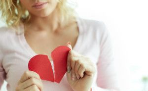 Three Ways to Bounce Back from Rejection | Second Date Tips Anyone who enters the dating world is bound to encounter rejection. Whether your online messages to dating prospects go unanswered, you have a great first date but never hear from the person again, or you get dumped after things were just starting to heat up, all rejections have one thing in common — they really hurt. - See more at: http://www.seconddatetips.org/three-ways-to-bounce-back-from-rejection/#sthash.96L0ks65.dpuf