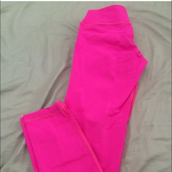 Colombian booty shaper workout pants/leggins Famous Colombian brand babalú booty shaper, butt lifter workout pants/leggins. One size fits all. Super comfortable, perfect conditions. ✨Offers welcome. Adidas Pants Leggings