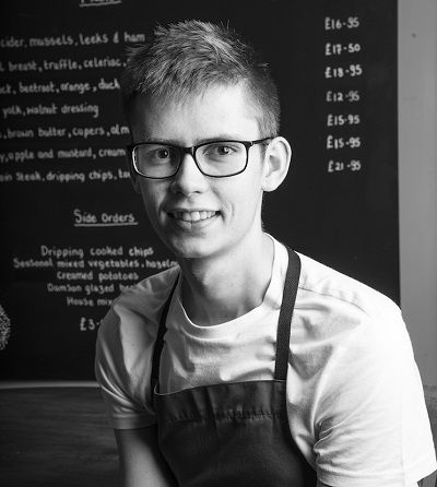 Cumbrian chef wins key industry award http://www.cumbriacrack.com/wp-content/uploads/2017/06/Arthur-Bridgeman-Quin-web.jpg A young chef at a popular Lake District inn & restaurant has won a prestigious national award at his second attempt. Arthur Bridgeman Quin, from the Punch Bowl    http://www.cumbriacrack.com/2017/06/27/cumbrian-chef-wins-key-industry-award/