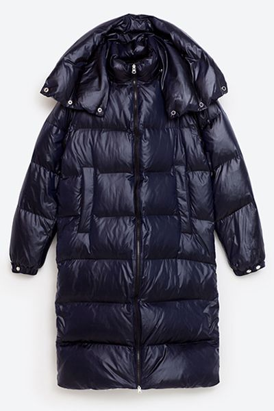 Forget your peacoats and parkas - when the temperatures really drop, a puffer is the coat you'll be reaching for. A long-time, comfortable winter staple, the slightly-oversized duvet style will simultaneously keep you protected from the elements and scoring sartorial points.