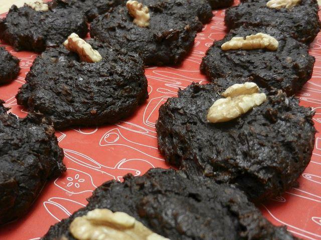 La VOUS AVEZ DIT « BROWNIES »? (galette cacao et vitalité). Avertissement! La galette Vous avez dit « Brownies »? donne la succulente impression de manger le dessert décadent du même nom. Heureusement pour les gourmands, elle est bourrée de vraies bonnes choses et ne contient aucune trace de gras trans. On aime ça...