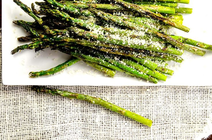 Grilled Asparagus Recipe: A Step-by-step guide. You'll see how to grill asparagus in foil and direct on the grill! Gluten Free, Low Carb, Paleo too.