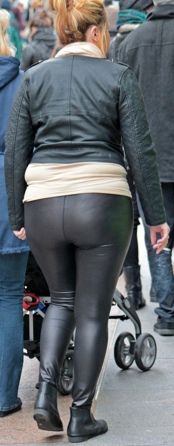 Shiny leggings candid shiny leggings   Plus Size Fashion   Pinterest   Leggings and Shiny leggings