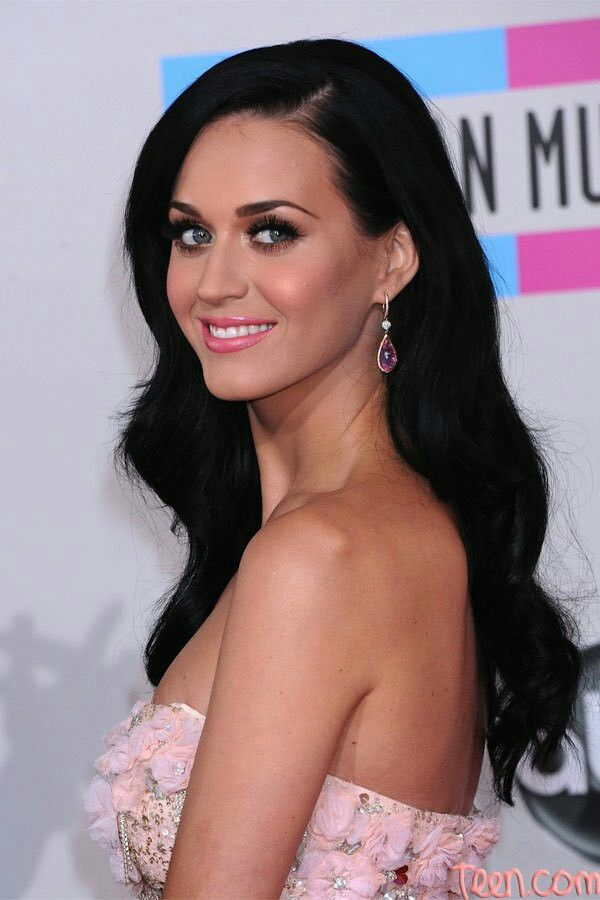 Katy Perry 2010 american music awards