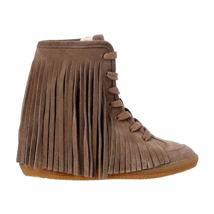 MARCH23 sneaker Pocahontas