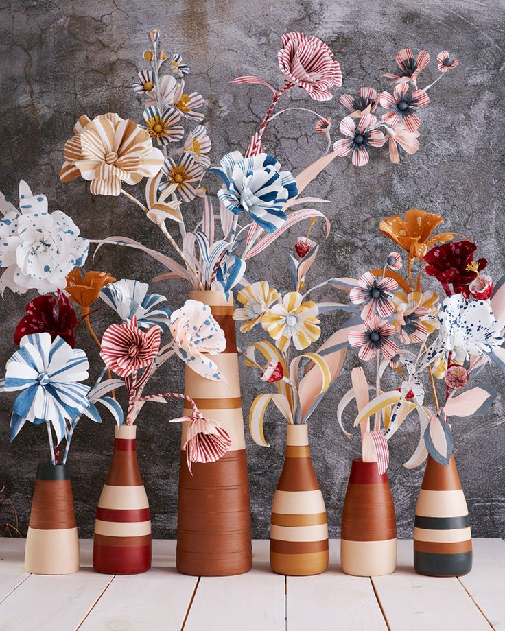 Handmade paper flowers by Thuss + Farrell / Paper to Petal
