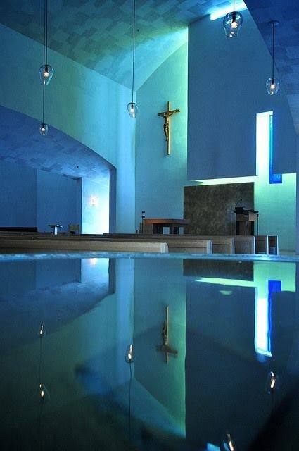 Chapel of St. Ignatius, by Steven Holl,1994 – 1997, atSeattle, Washington, USA.