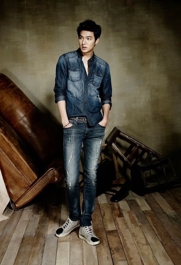 GUY CANDY: Lee Min Ho stuns as the new face of GUESS