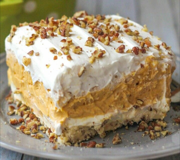 My favorite fall time tradition is baking tons of yummy fall desserts and this one is my all time favorite.