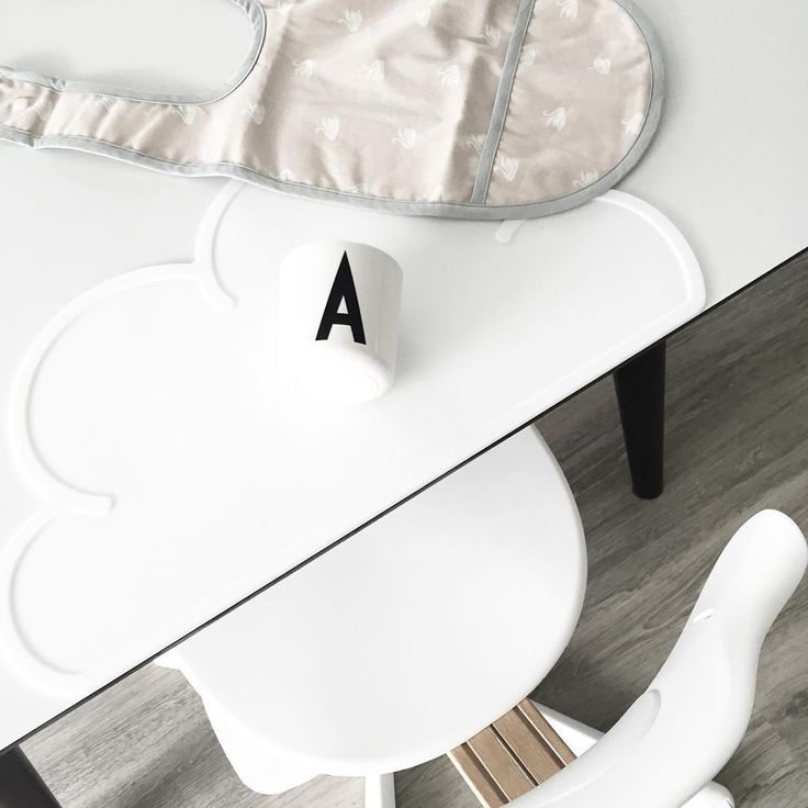 works with the manufacture and sales of Nomi - a new children's highchair, designed by Peter Opsvik #evomove #nomihighchair #nomibaby #nomichair