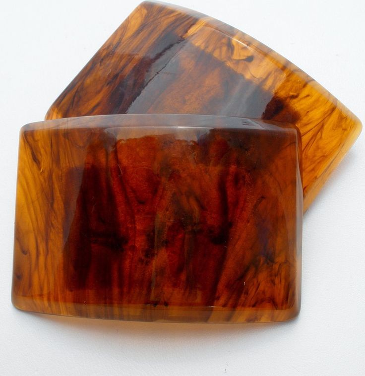 """Lady's Accessories - This is a pair of vintage brown lucite rectangle shaped shoe clips. They measures 2.1"""" by almost 1.6"""" and are in excellent condition."""