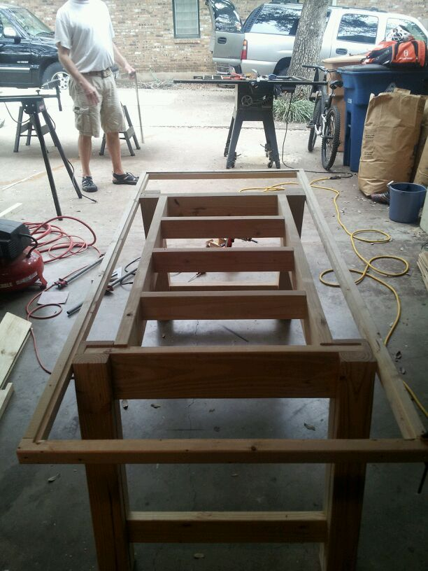 Kitchen Table tutorial - topped with pallets or other wood