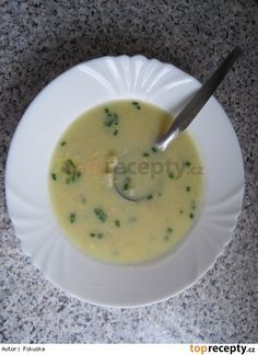 Rychlá celerová polévka se žloutkem