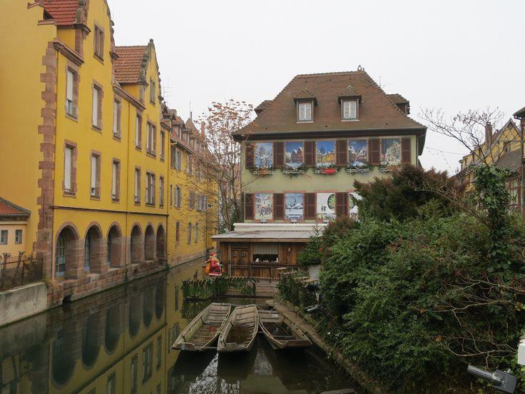 Alsaz seyahatimizin ilk durağı olan Strazburg sonrası, tam da Noel arifesinde bir başka güzel olan Colmar ve Riquewihr'i gezdik. Otobüsle yaklaşık 1 saat saat süren seyahat sonrası 75 km ötedeki COLMARilk durağımız oldu.  Route des Vins d'Alsace (Alzas şarap güzergahı) üzerinde yer alan Colmar, aynı zamanda, Alsaz bölgesinin Şarap Başkenti olarak da biliniyor. 9. …