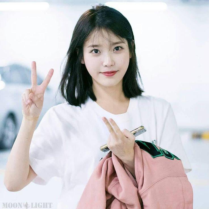"92 Likes, 1 Comments - lee ji eun(이지은) (@iuonly_) on Instagram: ""@dlwlrma . . . #iu #leejieun #cute #pretty #love"""
