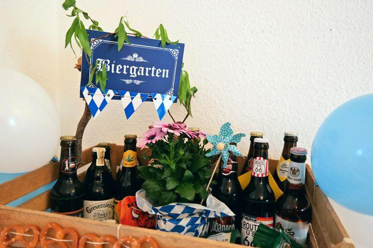 Biergärten machen nicht nur in München Spaß. Auch wir Norddeutschen wissen ein Weißbier oder ein Alsterwasser zu schätzen 🍻 Wir haben einen guten Freund, der total der Bierliebhaber ist. Zum Geburt…
