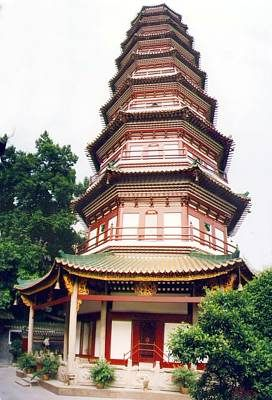#Six Banyan Trees Temple is striking by six banyan trees,there is the Tianwang Hall where Laughing Buddha is to welcome visitors.Its roofs curve upwards and look like dark red flower petals.  http://www.holidaychinatour.com/scenery_view.asp?id=264