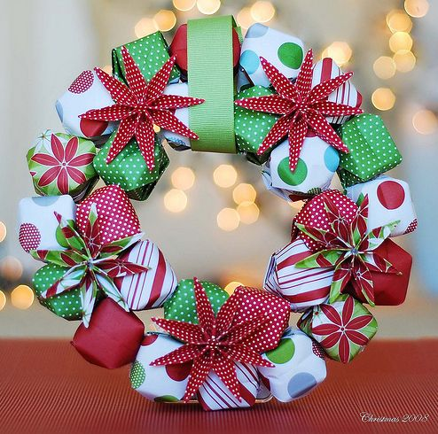 CHRISTMAS WREATH IDEAS | How to make a Christmas wreath | Life and style | theguardian.com