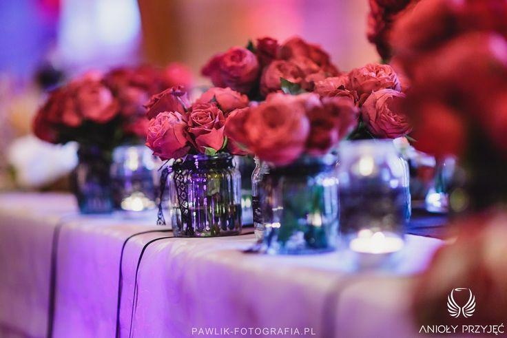 20. Rock Wedding,Table decor,Red roses / Rockowe wesele,Dekoracje stołu,Czerwone róże,Anioły Przyjęć