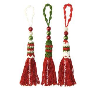 Cómo tejer borlas navidad a crochet (crochet christmas tassel) Tutorial con video! ❥Teresa Restegui http://www.pinterest.com/teretegui/❥