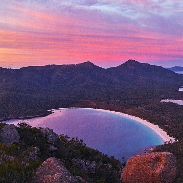 The iconic Wineglass Bay in the Freycinet National Park. #wineglassbay #tasmania…