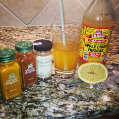 It contains 2-3 tbsp of ACV, approx 1/2 c of water,  a hefty shake of tumeric, a shake of cayenne pepper, a huge squeeze of lemon, and a sprinkle of cinnamon.