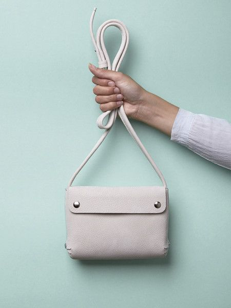 Ontwerpsalon -  styling: renskeversluijs -  handbag: renskeversluijs - photographer: Patrick Stoop