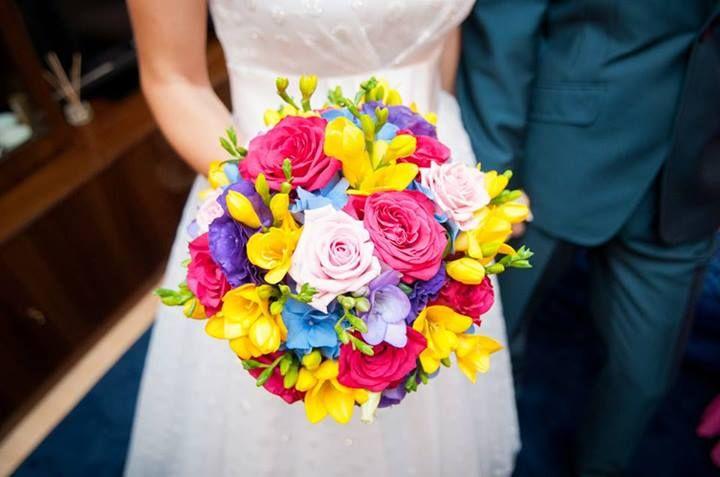wiązanka ślubna opcja III bukiet kolorowych kwiatów