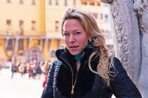 EXPATS IN FLORENCE :: Traci Woish Promoting Tuscany's treasures in Florence
