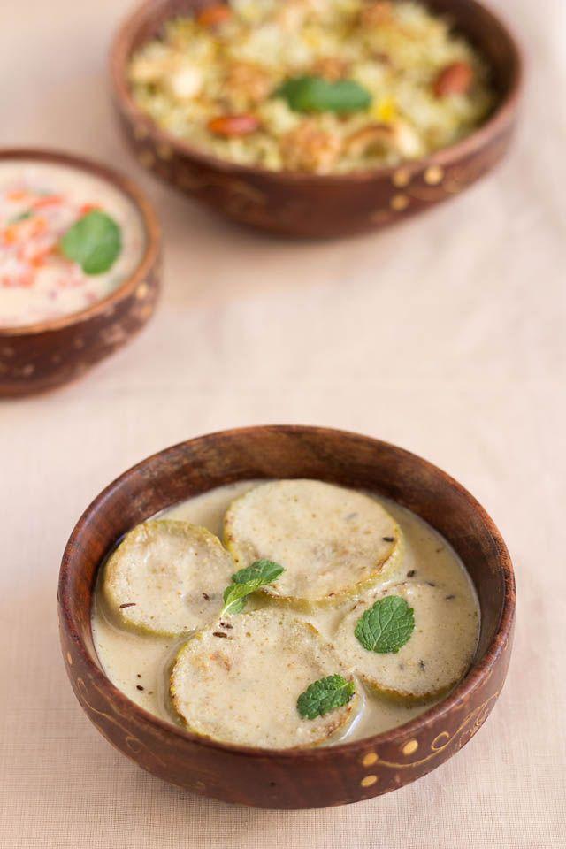Kashmiri style Bottle gourd / opo squash / long melon / lauki in yogurt gravy, no garlic, no onion,  yakhni or al yakhni,  Lotus root / kamal kakri / nadru and cauliflower yakhni