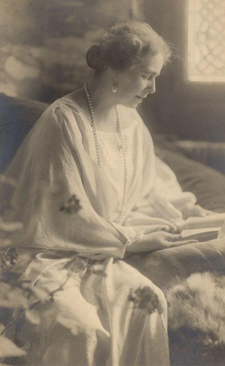Queen Marie of Romania Gallery / Queen Marie of Romania Postcard