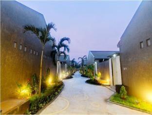 Promo Bali Rich Villa  Bali Rich Villa adalah Hotel bintang 4 yang terletak di Jalan DR Soetomo No. 28, Tuban, East Java, Indonesia.  Bali Rich Villa letaknya sangat sempurna baik untuk keperluan bisnis maupun berwisata di Tuban. Menampilkan daftar fasilitas yang lengkap, tamu akan merasakan bahwa mereka menginap di... Kunjungi: http://wp.me/p1XKm2-1sK untuk info lebih lanjut #BaliRichVilla, #EastJava, #Indonesia, #Tuban