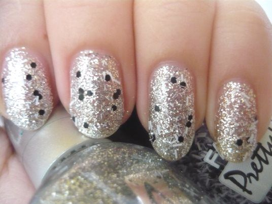 Nail Of The Day - Pretty Dots